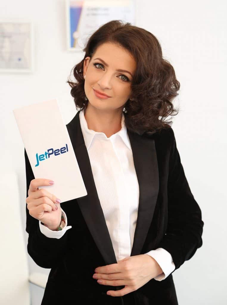 dr Daniela Diveica Tratament Jet Peel