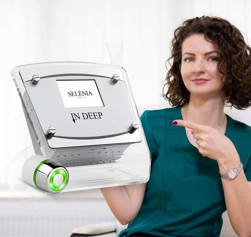 Dr Daniela Diveica si aparat mezoterapie virtuala dermoporatie